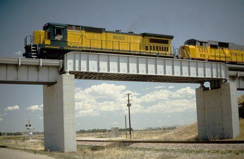 پل ساخته شده با تیر ورق